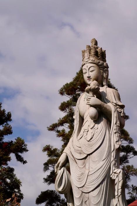 Beautiful statue at Gansho-in Temple